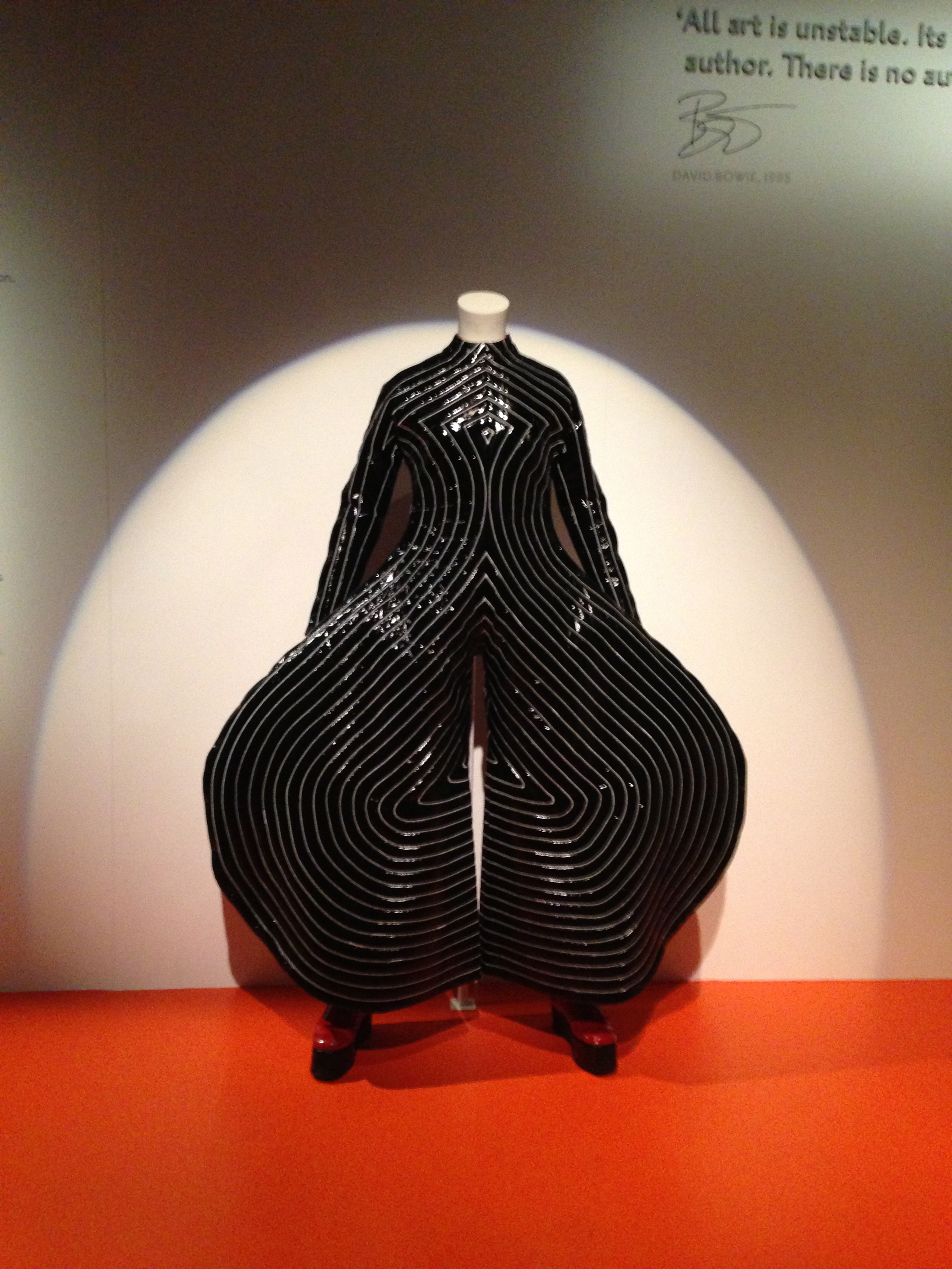 Review: David Bowie Is at @V_and_A #davidbowieis